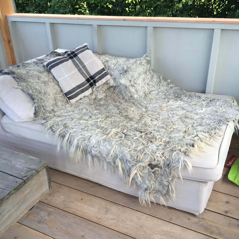 Ruw & Ruig woonplaid vloerkleed van 100% ruwe wol heidesnucke